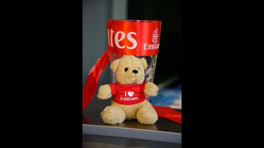 Emirates Strona 008