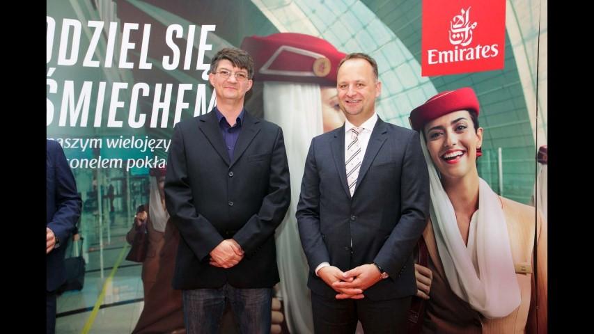 Emirates Strona 076