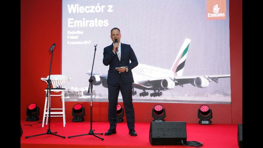 Emirates Strona 262