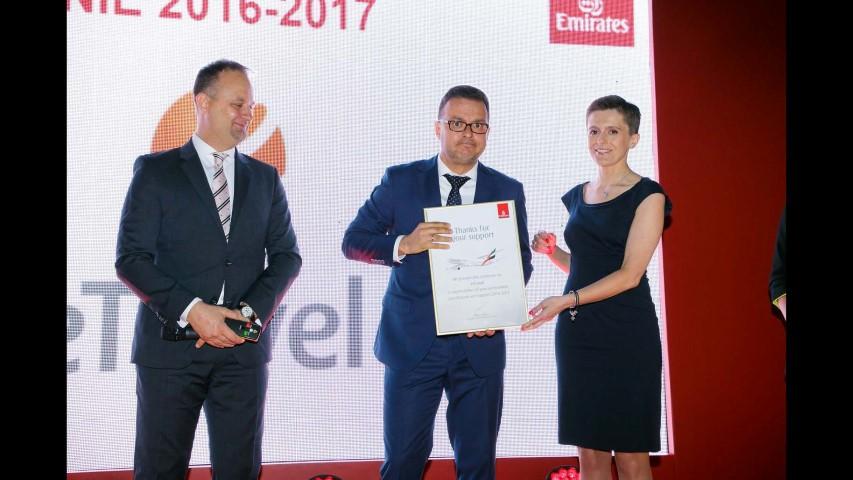 Emirates Strona 372